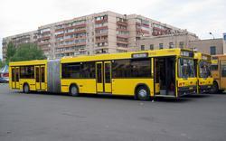 МАЗ-105наотстоенамаршруте№45